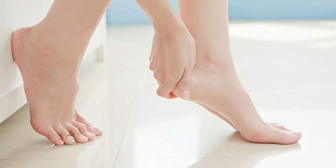home remedy for cracked feet